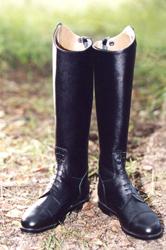 Сапоги кожаные со шнуровкой впереди и молнией сзади