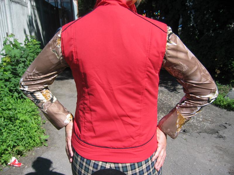 Безрукавка «летняя» женская из непромокаемой ткани